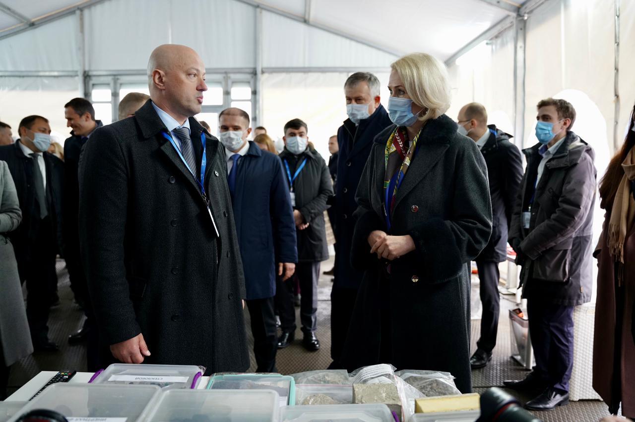 Вице-премьер Виктория Абрамченко посетила современный завод по обработке отходов